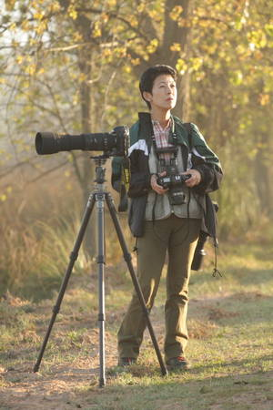 Princess-takamado-birdwatching.jpg